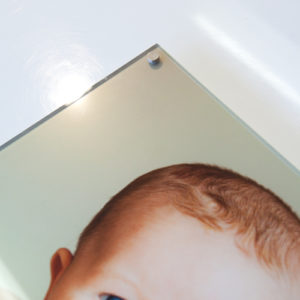 frameless-acrylic-photo-with-stand-off